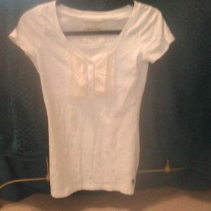 White Abercrombie & Fitch shirt